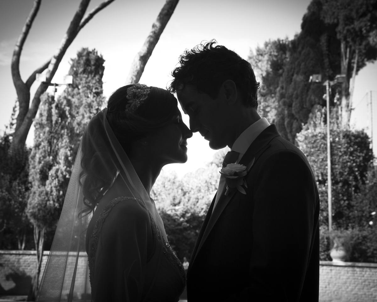 wedding-couple-b&w-love