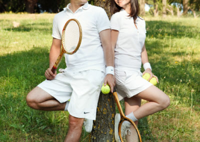 engagement-photo-shooting-tennis
