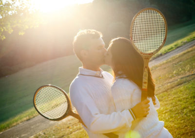 engagement-love-shooting-tennis